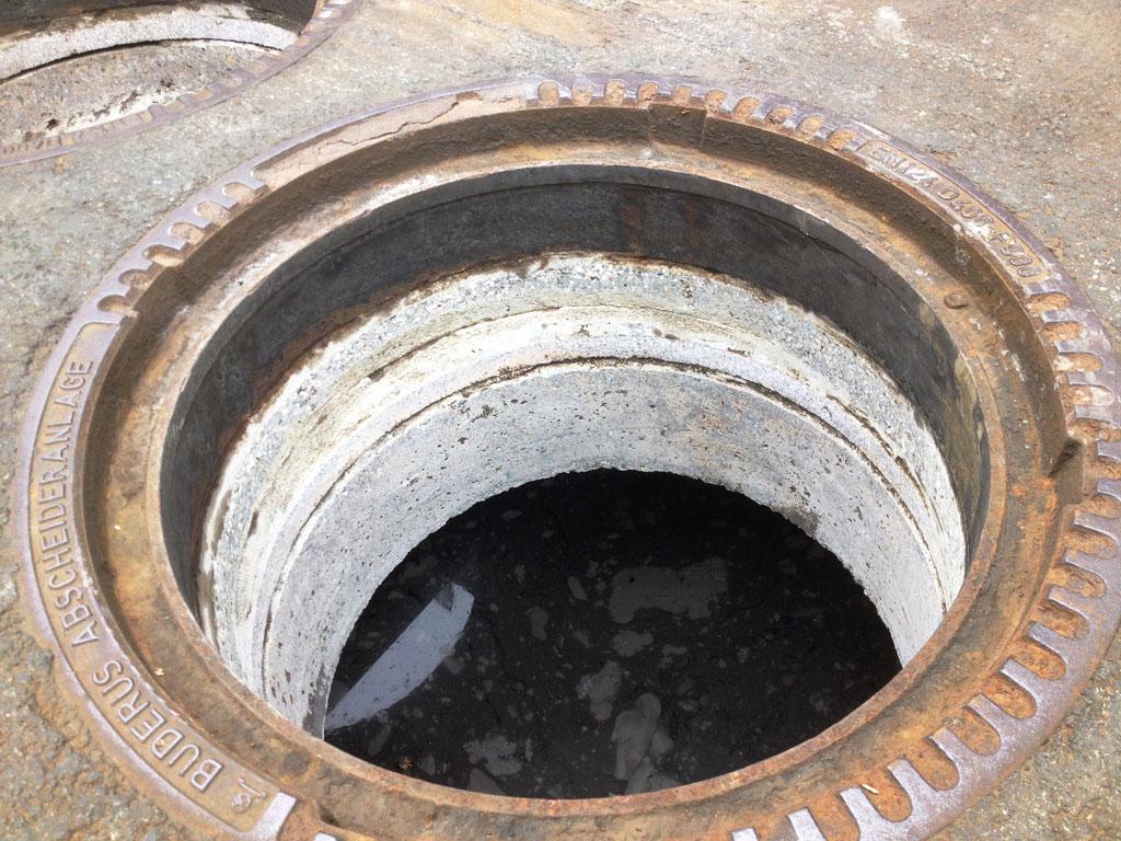 Abschleifen des Stahlkranzes und des Beton